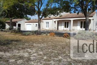 Villa / Maison 5 pièces  à vendre Saint-Étienne-du-Grès 13103