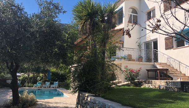 Saint-Jeannet Villa 6 pièces 180 m²