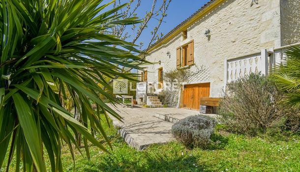 Bussac-sur-Charente Maison 10 pièces 315 m²